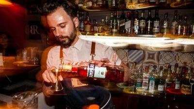 Η-Λάρισα-κέντρο-της-ευρωπαϊκής-bartending-cocktail-σκηνής-με-μεγάλο-χορηγό-το-Campari..jpg