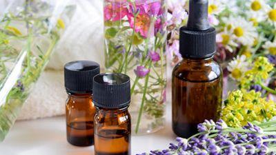 493ss_thinkstock_rf_essential_oils.jpg