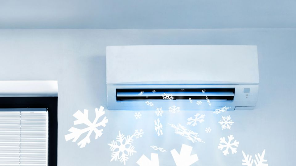 Air-Conditioner-Blowing-Cold-Air-000051120540_Large.jpg