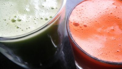 Green-and-Carrot-juices-LARGE-e1321045304625.jpg