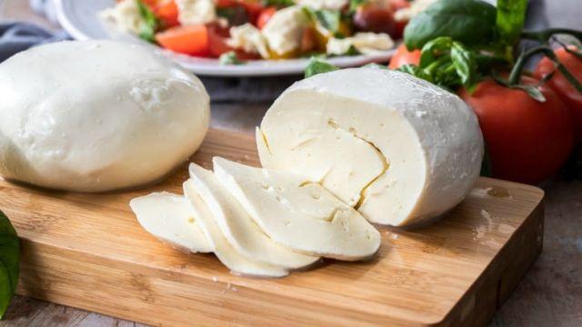 Homemade-Mozzarella-Cheese-sliced.jpg