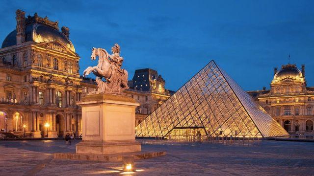 Louvre-Museum-Paris-France-1.jpg