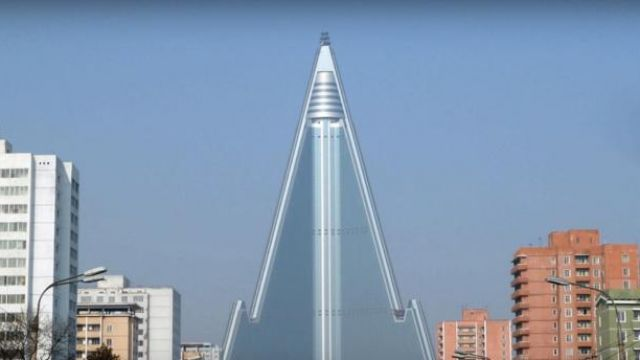 North_Korea_Ryugyong_Hotel_youtube_23_10_2019-768x344.jpg