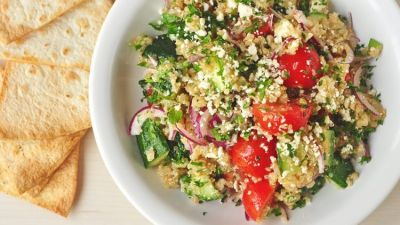 Tabouleh-Salad-with-Whole-Wheat-Pita-Crisps-Recipe-750x498.jpg