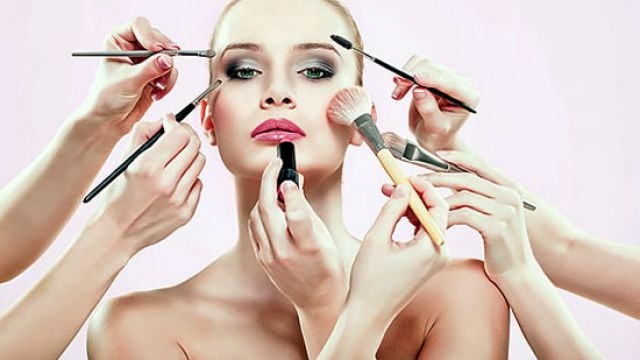 Top-13-Makeup-Tips-And-Tricks-To-Look-Beautiful-And-Younger-006.jpg