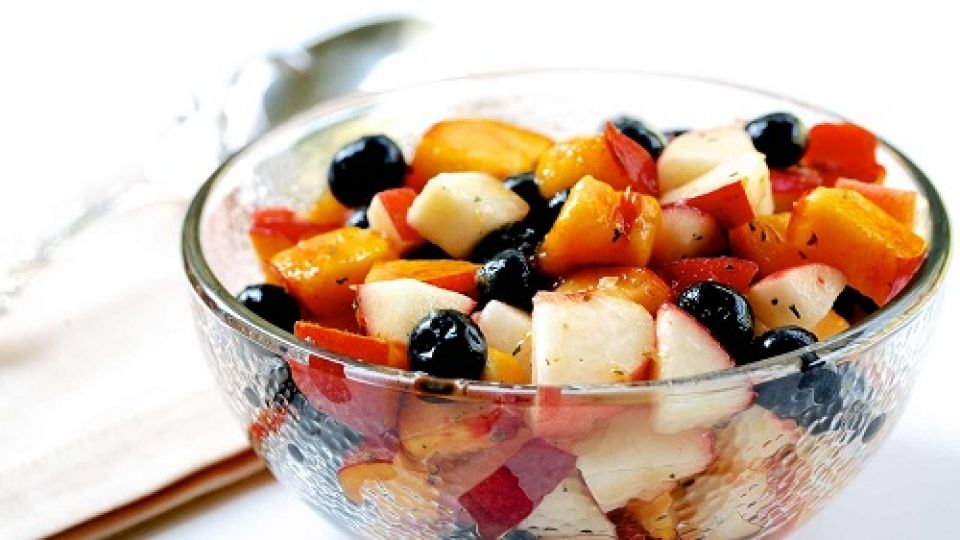 blueberry-peach-fruit-salad-horiz-a2-1600.jpg