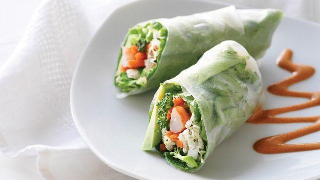 mind-boosters-lead-chicken-shrimp-rolls-with-peanut-sauce-71_web.jpg