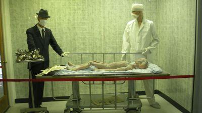 roswell_ufo_museum_-_alien_autopsy_6080145333.jpg