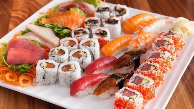 sushi_and_sashim.jpg